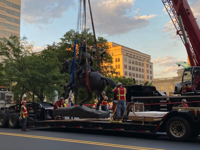 The City of Wilmington removes the Caesar Rodney statue.