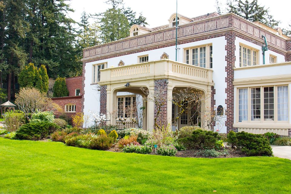 Lairmont Manor was built in 1915 and is one of the most notable landmarks in Bellingham.