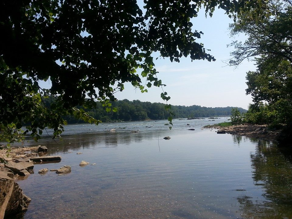 Scott's Run and the Potomac River on the northwest corner of Scott's Run Nature Preserve by NortyNort on Wikimedia Commons (CC BY-SA 4.0)