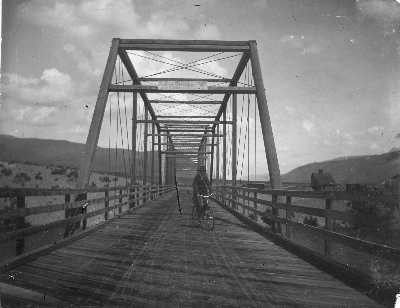 Second bridge made of wood and steel over the Wenatchee River near its confluence with the Columbia. Built by I. J. Bailey who built many bridges in his career.