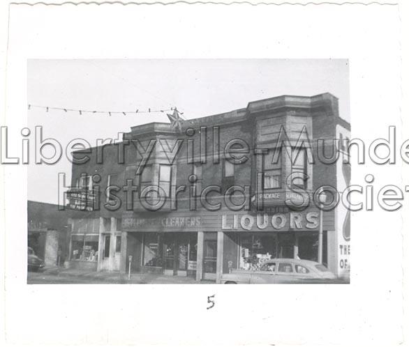 412 N. Milwaukee as Park View Tavern (far left) and Kaiser Building, 1956