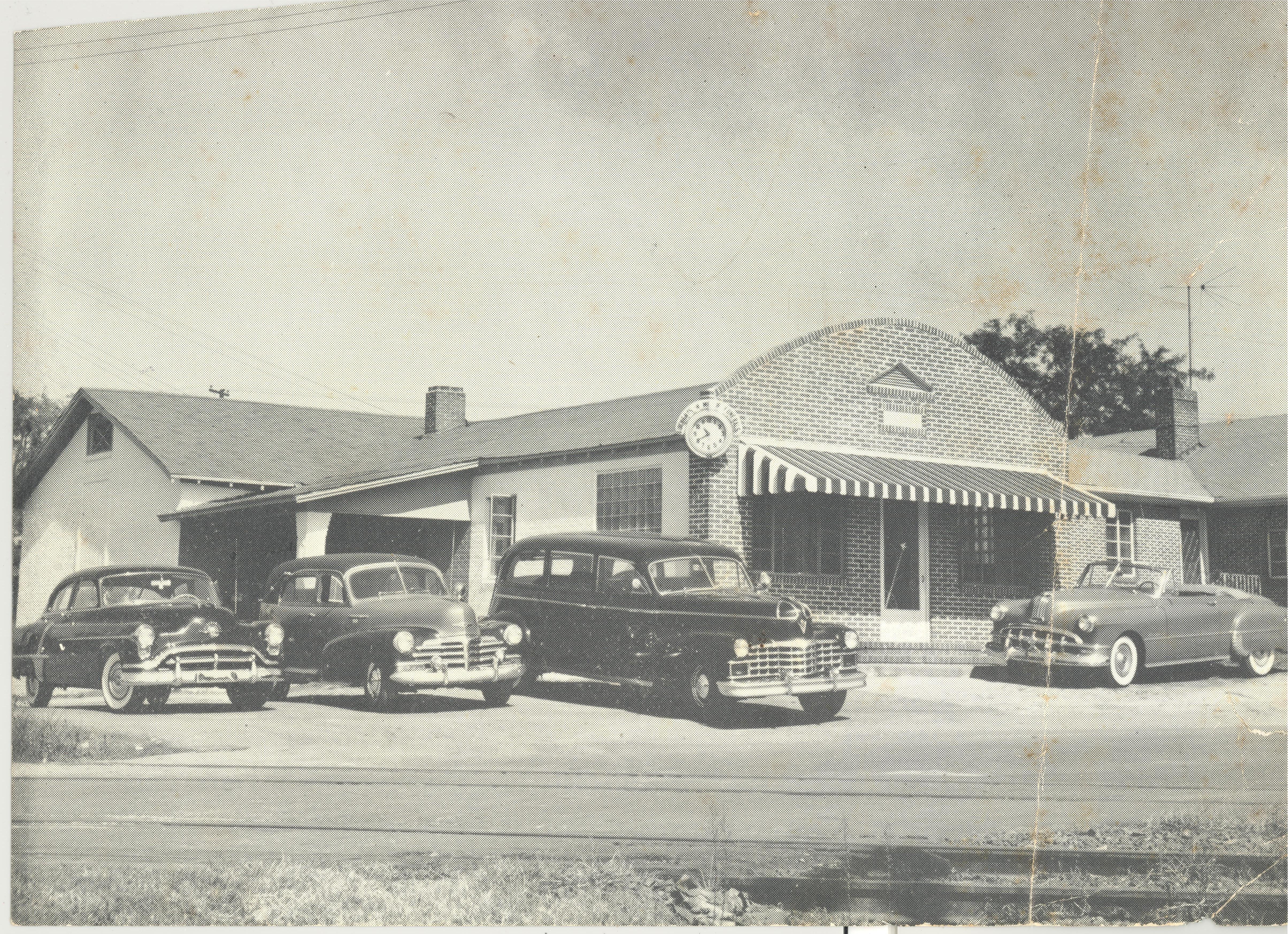 Motor vehicle, Automotive exterior, Automotive parking light, Classic