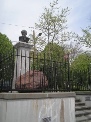 Photograph of Alexander Hamilton's bust and death rock.