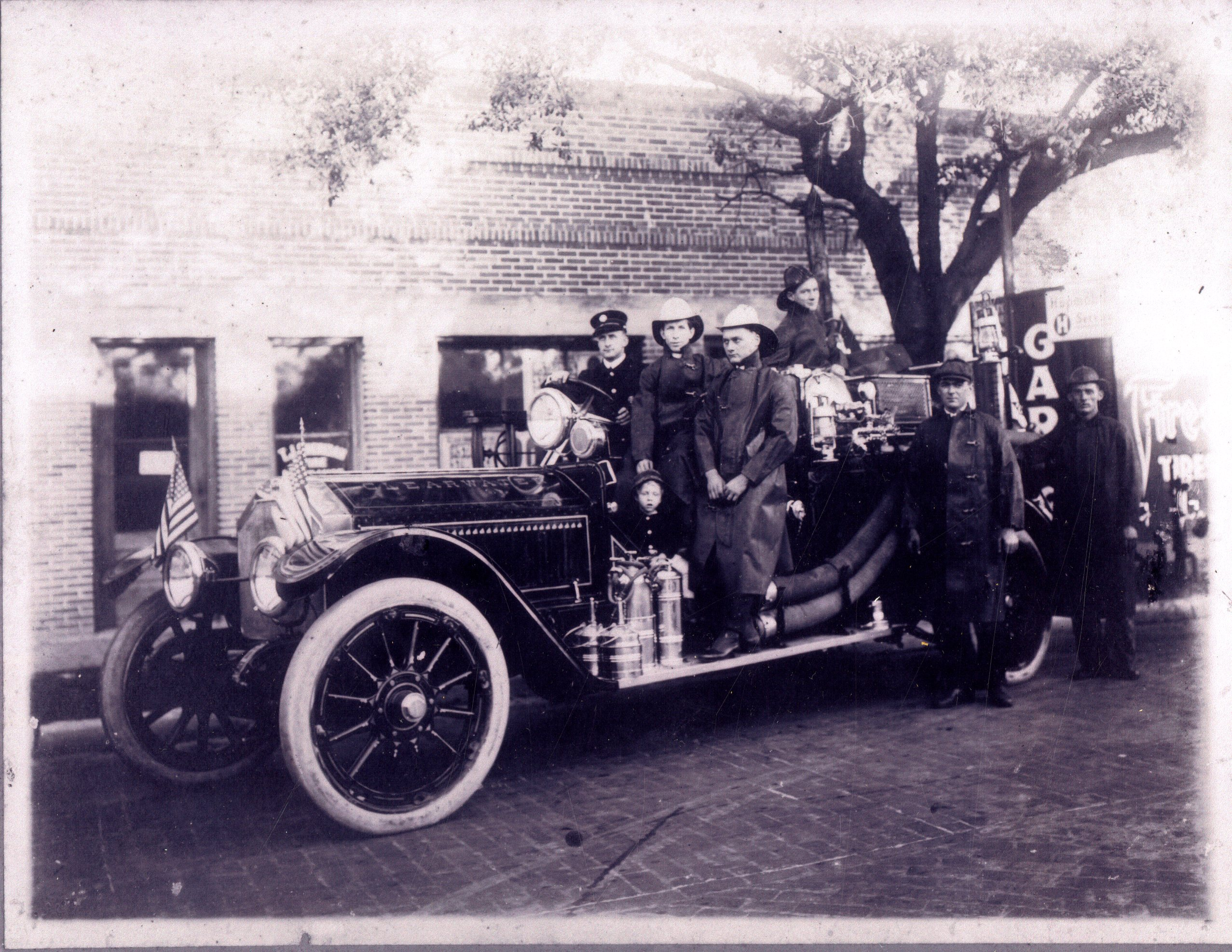 Firefighters with La France fire engine, Clearwater, Florida, circa 1915.