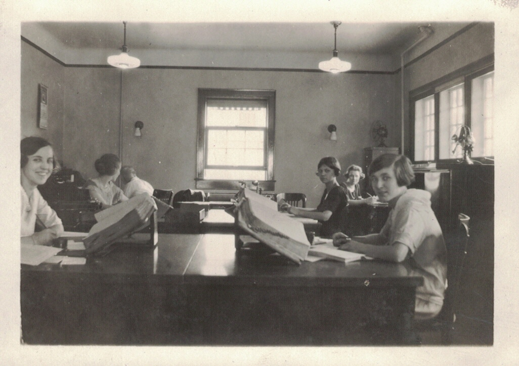 Rochester Light & Power Building, interior view showing clerks at work, September 1923