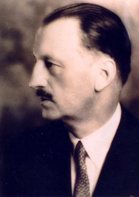 Henri Dourif, co-founder of Standard Ultramarine & Color Co.
