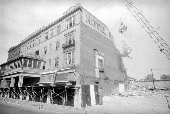 Hotel Huntington being demolished in 1976
