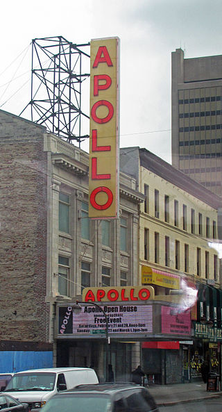 A picture of the front of the Apollo Theater in 2009.