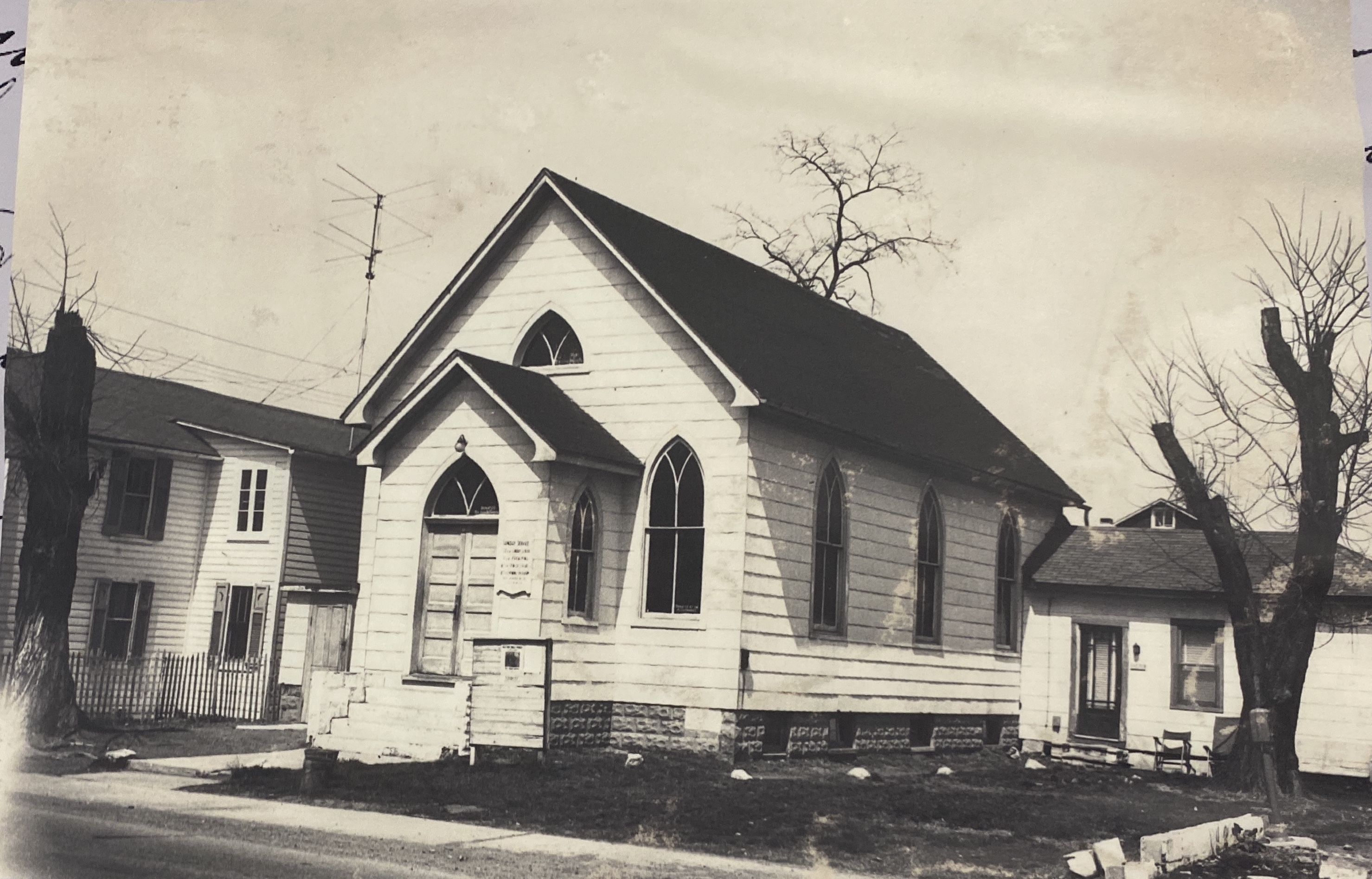 The St. Mathew African Union Methodist Protestant Church provided extra space when the school began to experience overcrowding. The church held assemblies and club meetings.