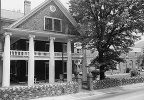 The Glen Ferris Front Entry