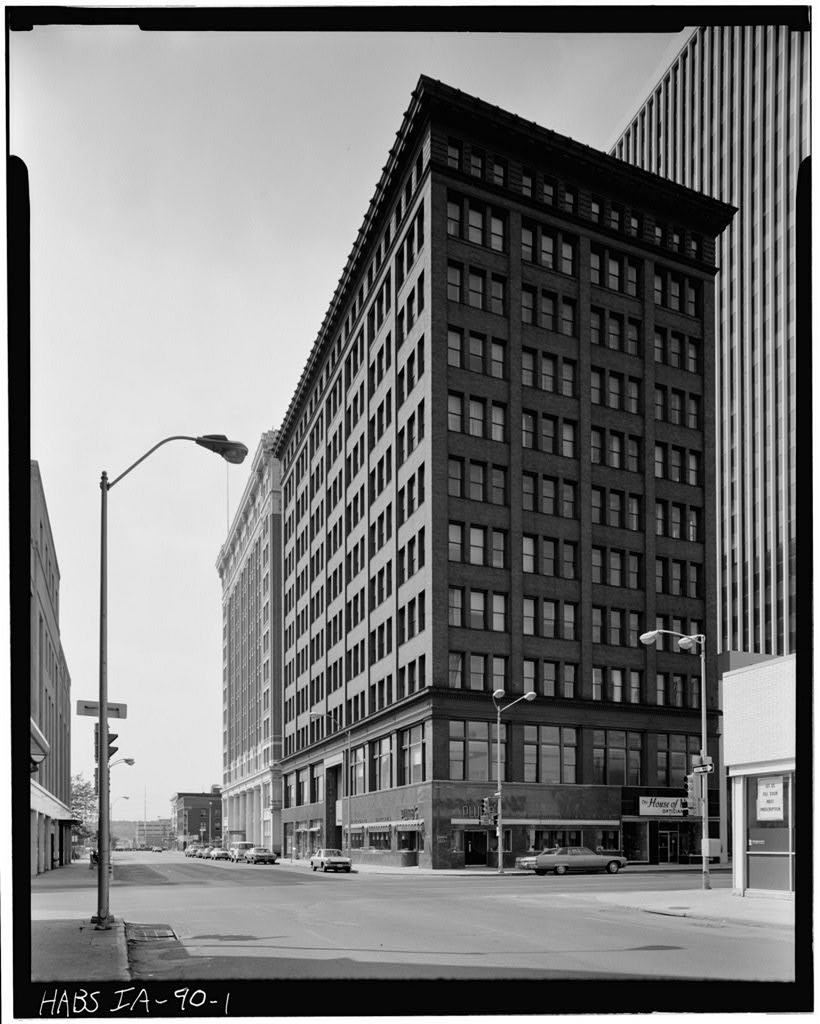 1977 photo of Fleming Building from Historic American Buildings Survey (HABS IA-90-1), Library of Congress