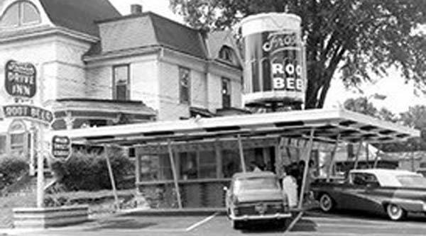 The giant Frostop mug was first seen in Jefferson, LA in 1954