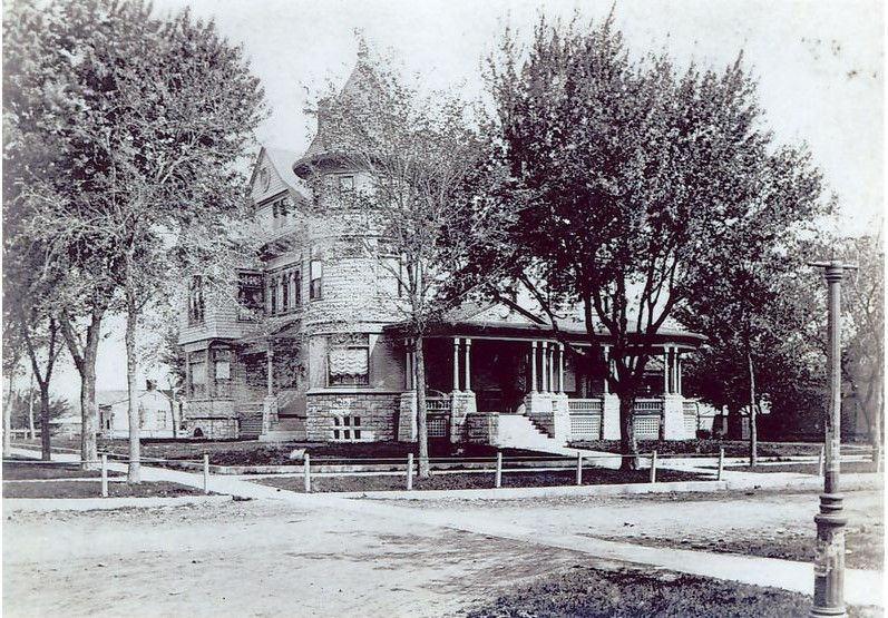 North and west facades of Cross House in circa 1900 photograph (KSHS, KHRI database)