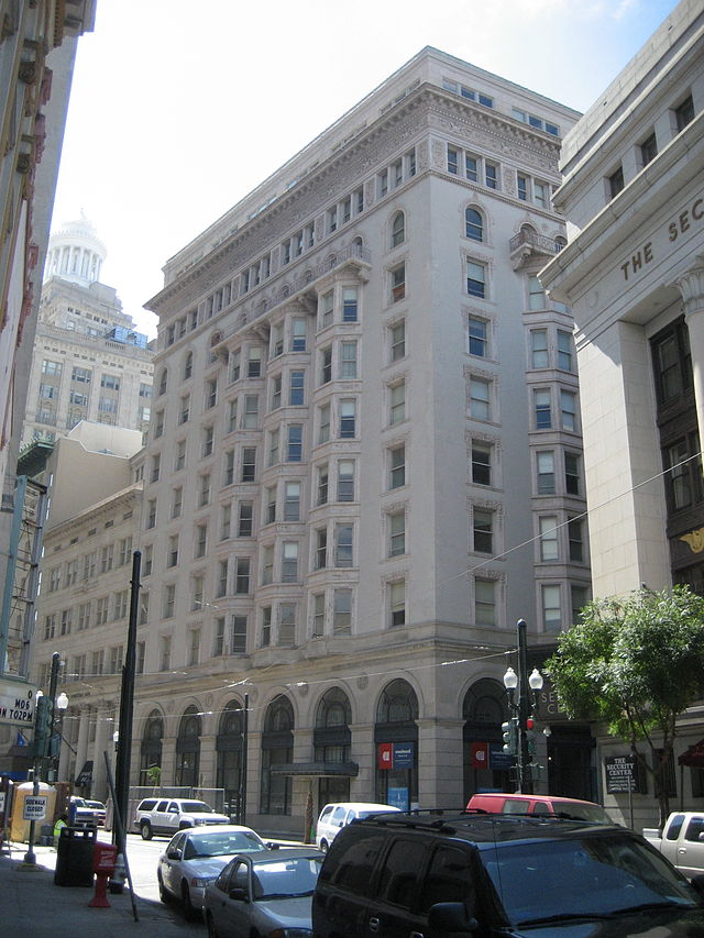 The Hennen Building was the tallest building in New Orleans from the time it was completed in 1895 until 1903.