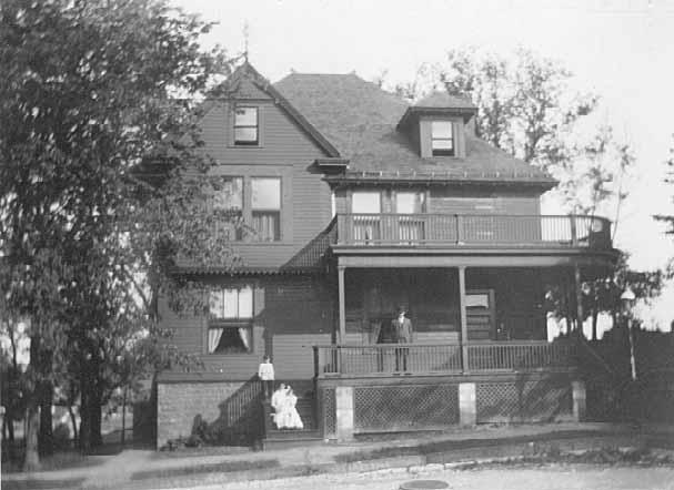 40 Irvine Park (1919)