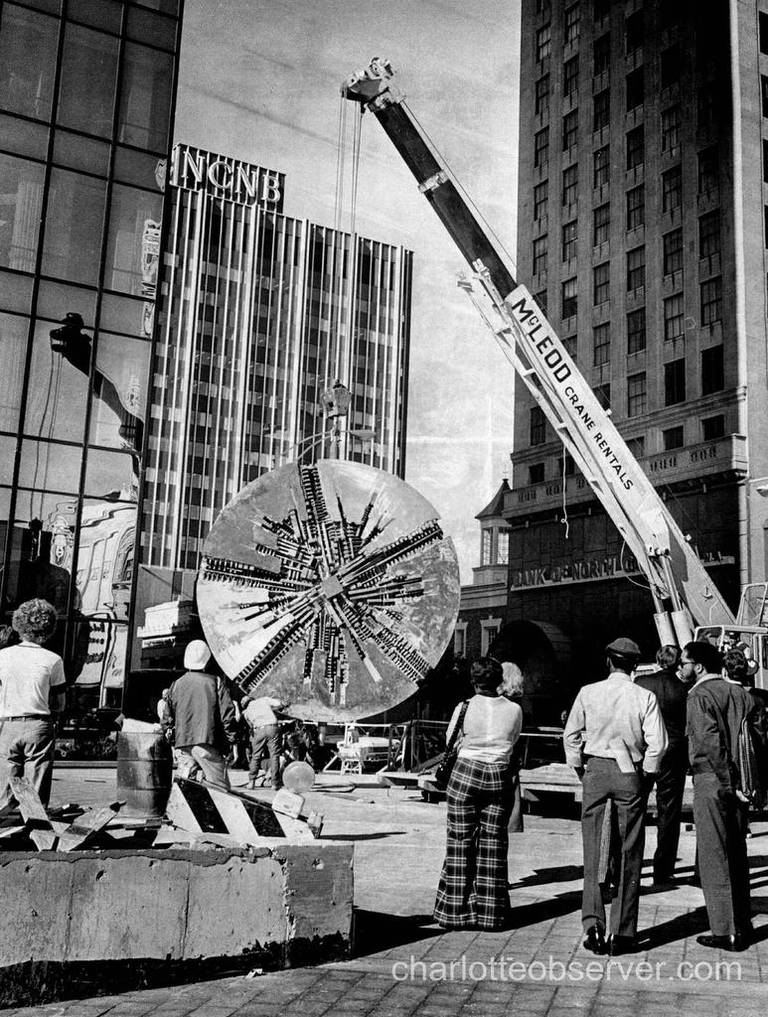 Il Grande Disco on the day of its installation in Charlotte in 1974.