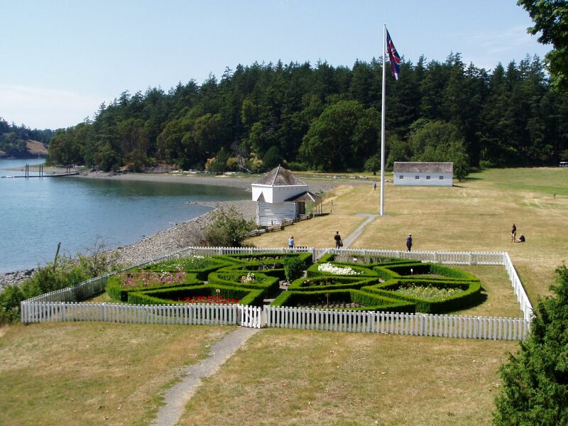 The British camp features this formal garden as well as historic structures including barracks and a blockhouse.