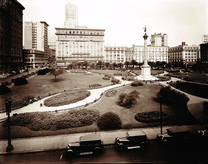 Union Square in the 1920s with the Victoria Monument which commemorates the victory of Admiral George Dewey in 1898.
