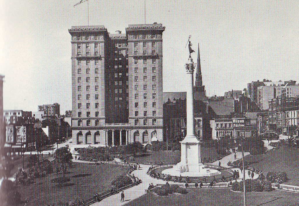 The monument with the St. Francis Hotel in 1904-two years prior to the earthquake