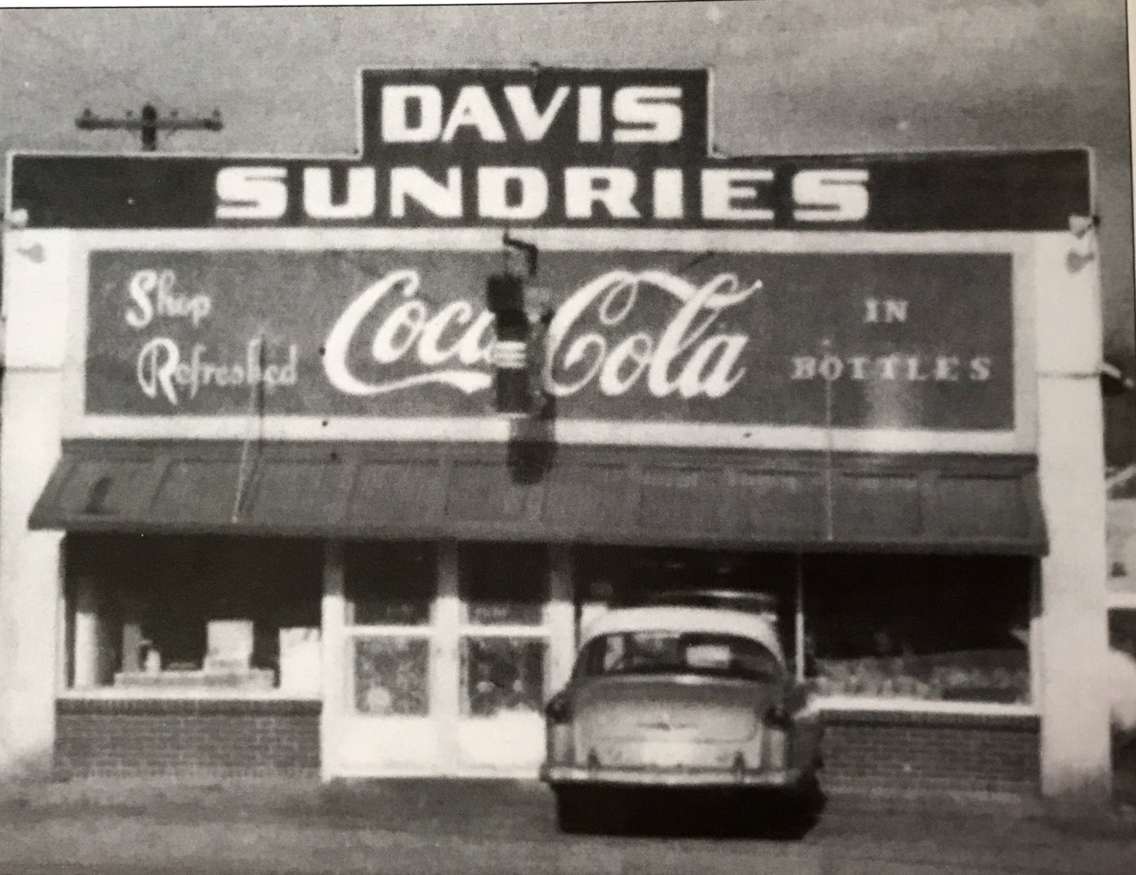 Davis Sundries shown around 1965 later purchased by Glenn Birdwell