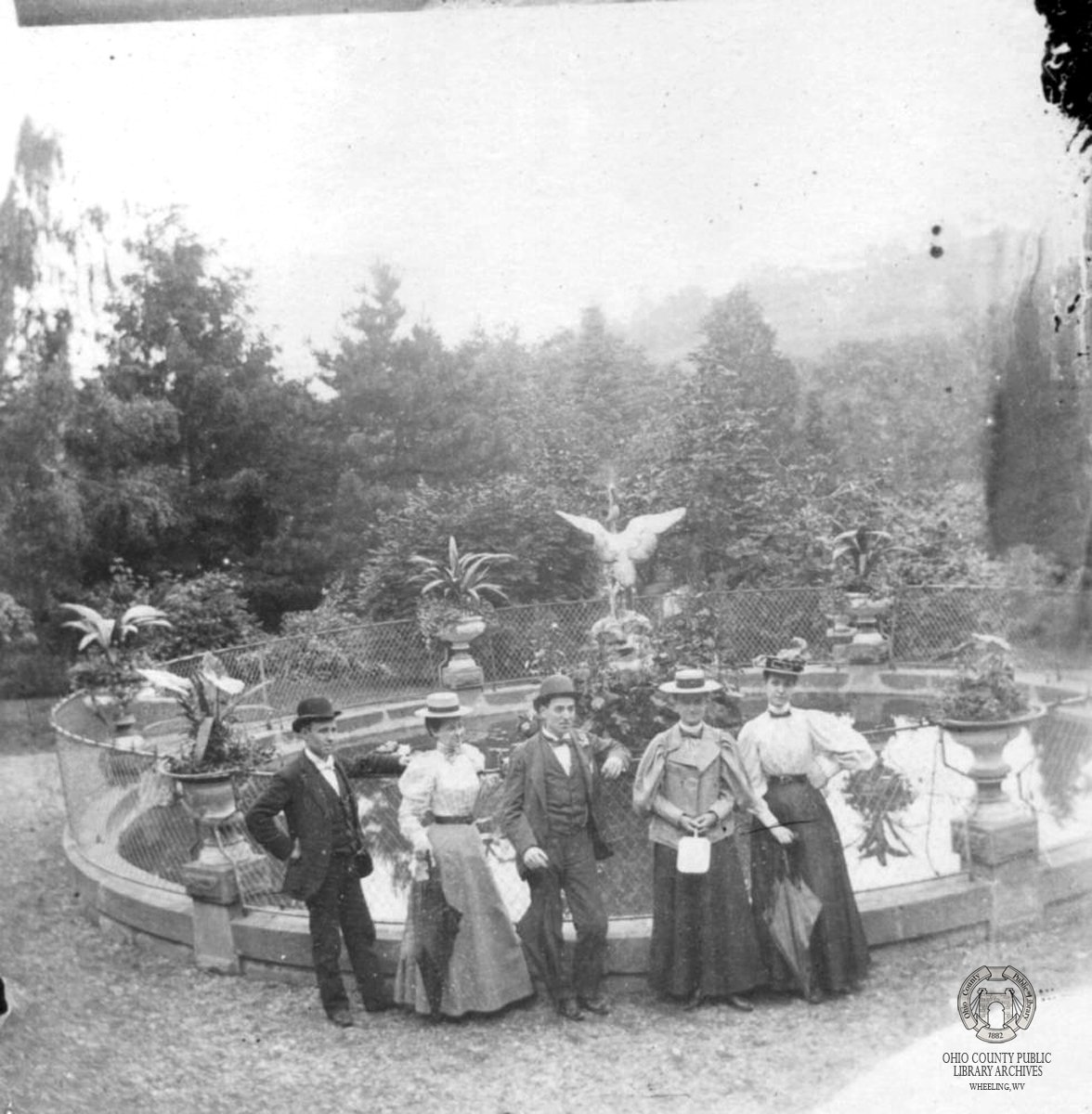 Visitors in front of the Wheeling Park Fountain, 1910. Image courtesy of Ohio County Public Library, Wheeling WV.