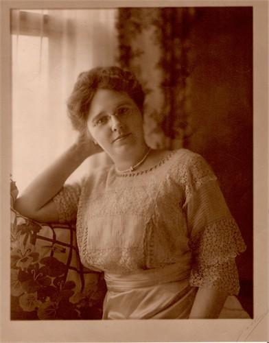 Freeman's wife, Zubah Ray Freeman