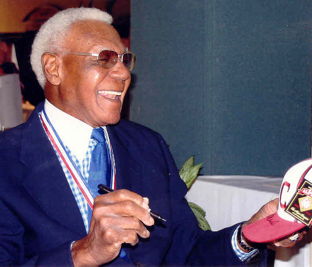 Buck O'Neil in 2005 signing autographs