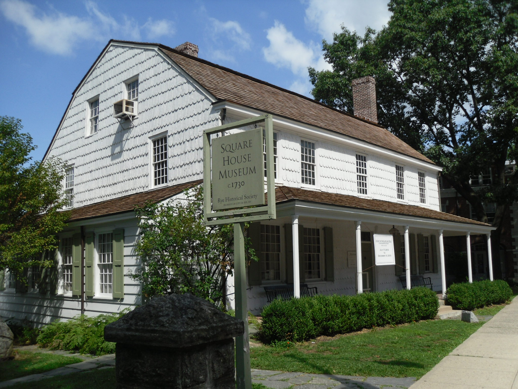 Widow Haviland's Tavern Exterior