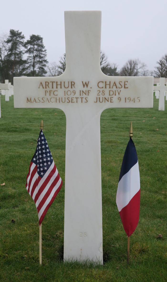 Arthur W. Chase Grave