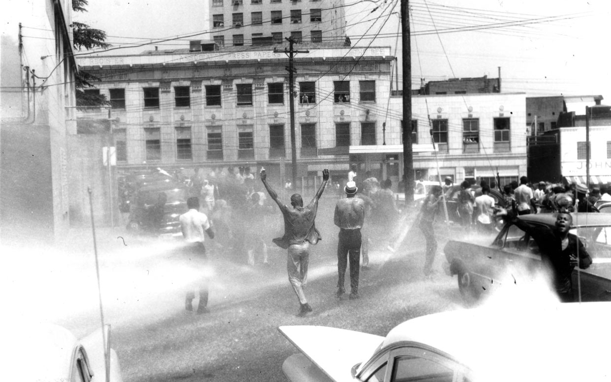 Civil Rights marchers attacked with fire hoses on June 10, 1963