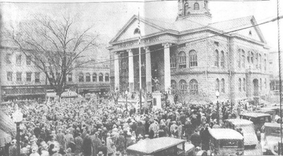 A Logan Banner picture of the November 11, 1928 dedication of Logan's Doughboy.