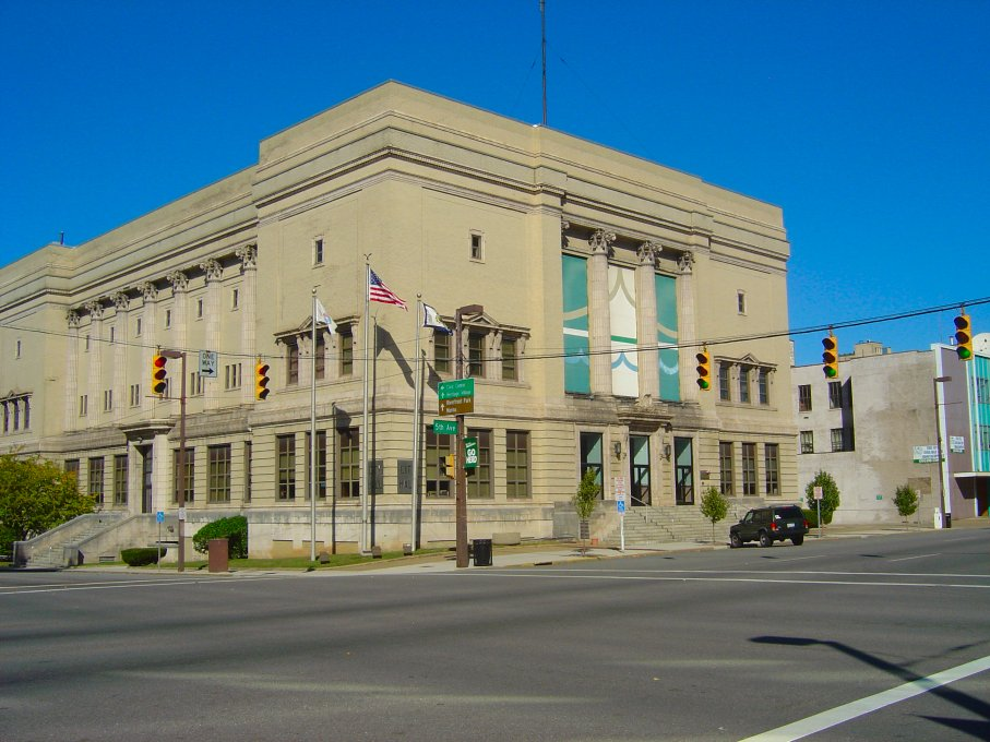 Huntington's City Hall was completed in 1915; it was the third city hall building, following previous structures from 1871 and 1886.