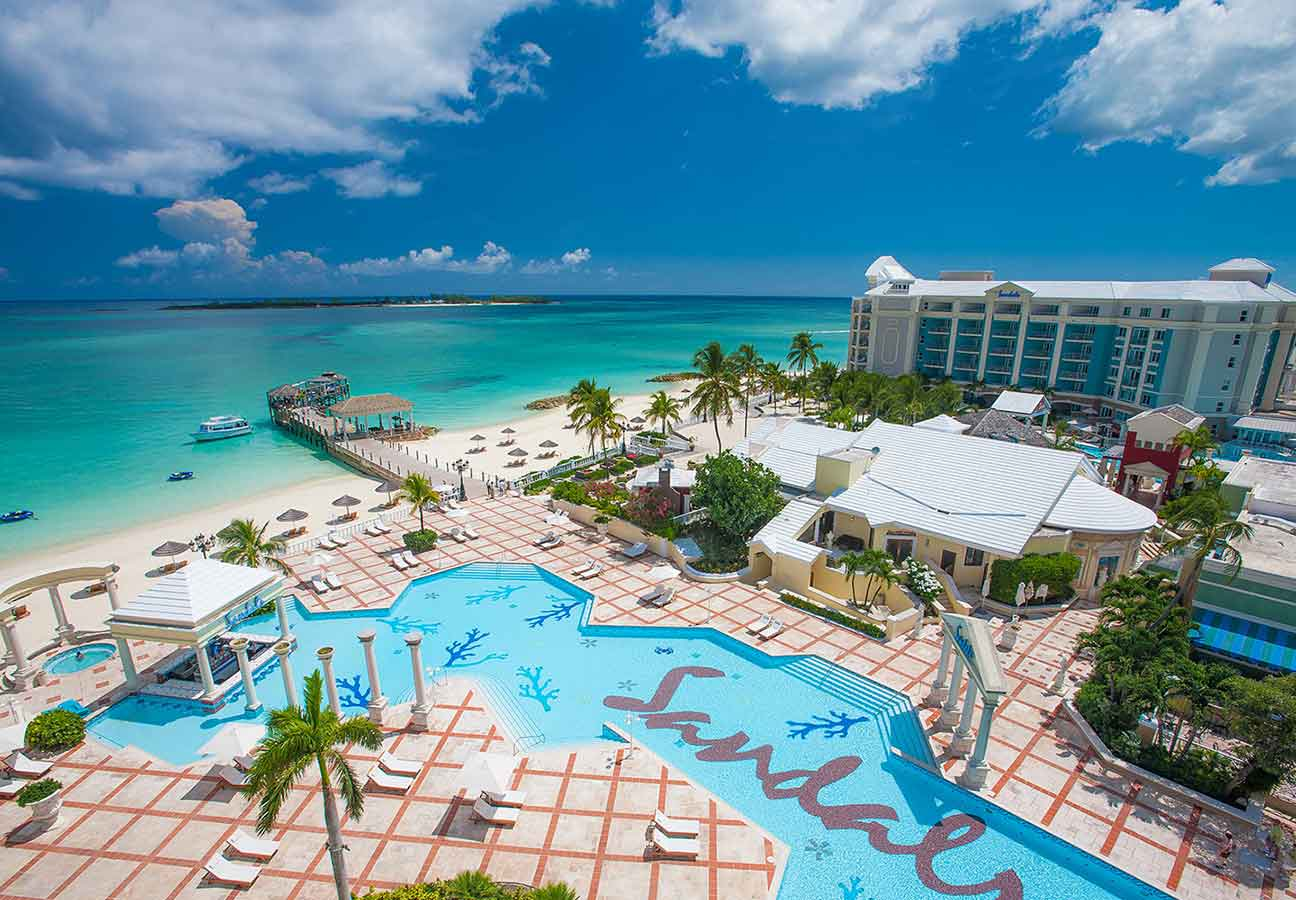 does sandals royal bahamian have a casino
