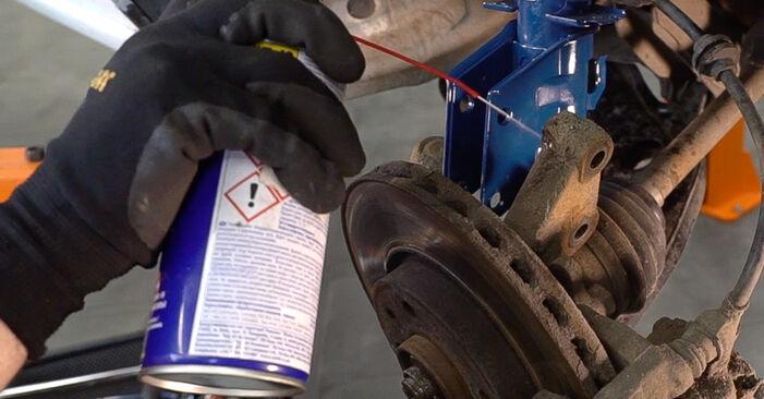 Federn Fiat Doblo Cargo 1.9 D 2002 wechseln: Kostenlose Reparaturhandbücher