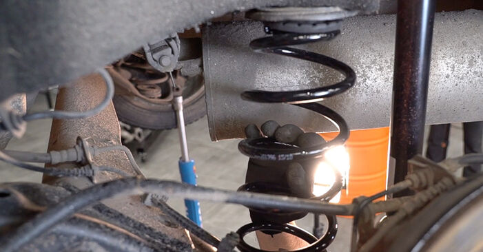 How to change Springs on FIAT BRAVO II (198) 2006 - free PDF and video manuals