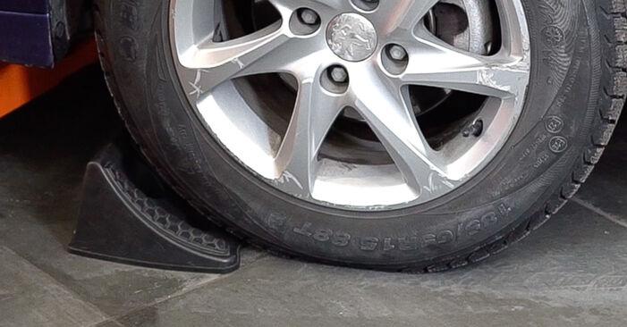 Wie schwer ist es, selbst zu reparieren: Federn Peugeot 208 1 1.4 VTi 2018 Tausch - Downloaden Sie sich illustrierte Anleitungen
