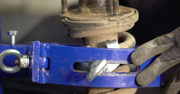 Wie schwer ist es, selbst zu reparieren: Federn Toyota Prado J120 3.0 D 2008 Tausch - Downloaden Sie sich illustrierte Anleitungen