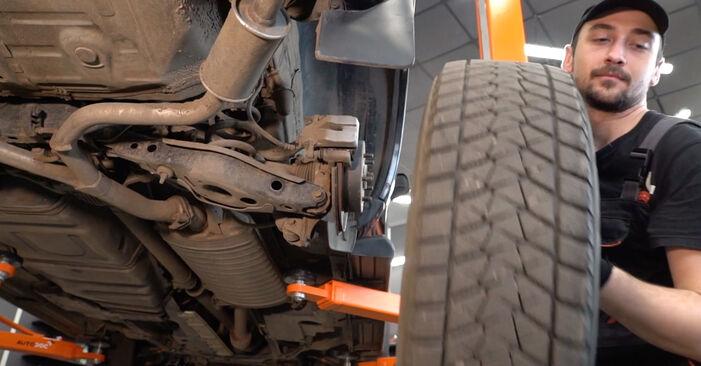 Trocar Molas no TOYOTA RAV 4 III (ACA3_, ACE_, ALA3_, GSA3_, ZSA3_) 2.0 4WD (ZSA30_) 2008 por conta própria
