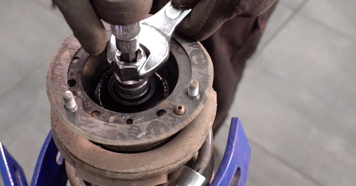 How to change Springs on BMW E92 2004 - free PDF and video manuals