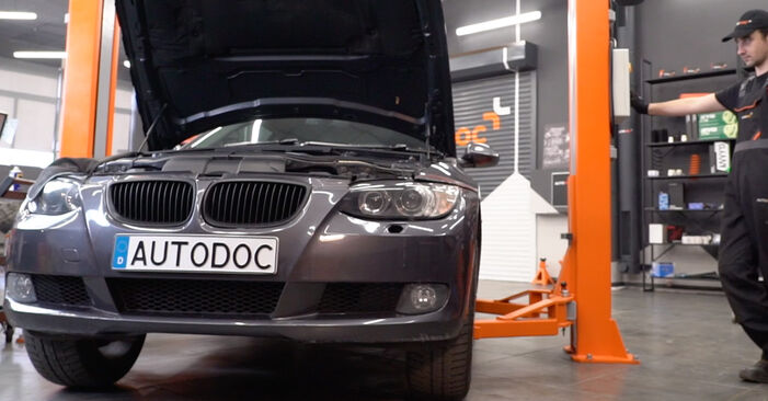 How to replace Springs on BMW 3 Coupe (E92) 2009: download PDF manuals and video instructions