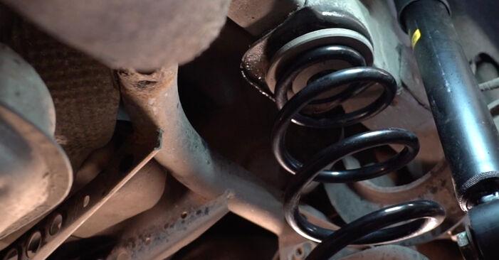 Tausch Tutorial Federn am VW Golf V Schrägheck (1K1) 2008 wechselt - Tipps und Tricks