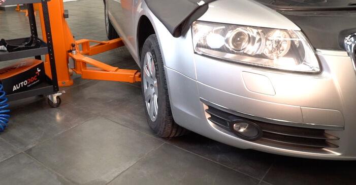 Ako vymeniť Pruženie na AUDI A6 Sedan (4F2, C6) 2009: stiahnite si PDF návody a video inštrukcie.