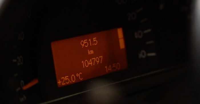 Zweckdienliche Tipps zum Austausch von Ölfilter beim MERCEDES-BENZ C-Klasse Limousine (W203) C 220 CDI 2.2 (203.008) 2006