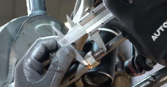 Wie Spurstangenkopf MERCEDES-BENZ C-Klasse Limousine (W203) C 180 1.8 Kompressor (203.046) 2001 austauschen - Schrittweise Handbücher und Videoanleitungen