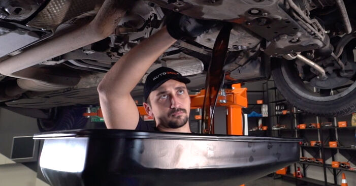 How to change Oil Filter on MERCEDES-BENZ C-Class Saloon (W203) 2004 - tips and tricks