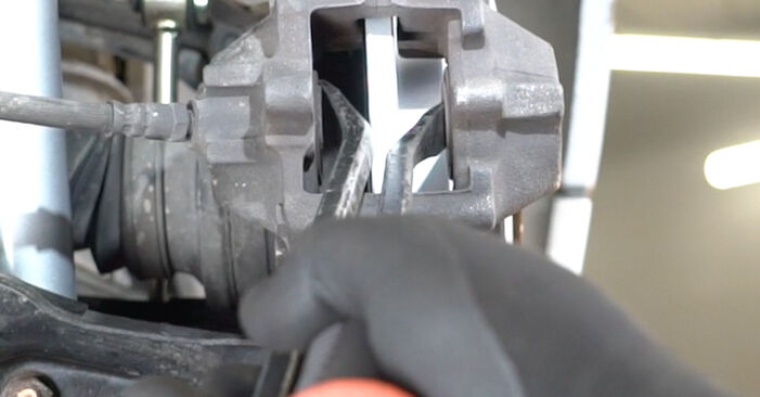 Bremsscheiben beim MERCEDES-BENZ C-CLASS C 180 2.0 (203.035) 2007 selber erneuern - DIY-Manual