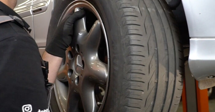 How to replace Brake Pads on MERCEDES-BENZ C-Class Saloon (W203) 2005: download PDF manuals and video instructions