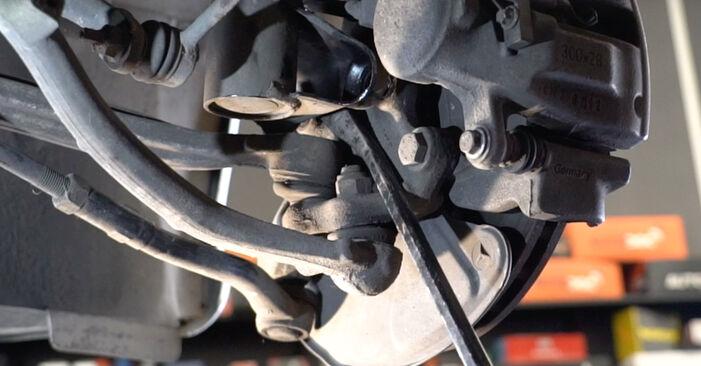 Federn am MERCEDES-BENZ C-Klasse Limousine (W203) C 270 CDI 2.7 (203.016) 2005 wechseln – Laden Sie sich PDF-Handbücher und Videoanleitungen herunter