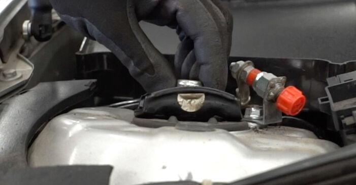 Как се сменя Пружинно окачване на Mercedes W203 2000 - безплатни PDF и видео уроци