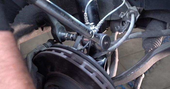 Смяна на Пружинно окачване на Mercedes W203 2002 C 220 CDI 2.2 (203.006) самостоятелно